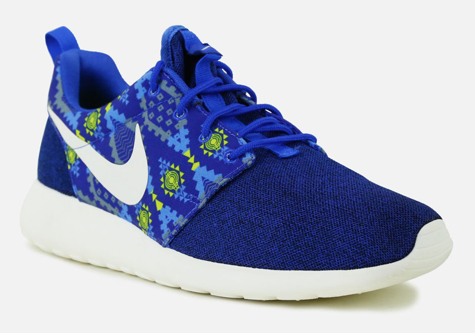 "on sale 8dd70 8b36d ... blue aztec pattern NIKE ROSHE RUN AZTEC on The Hunt The Nike Roshe Run "" Aztec"" is arriving now at select NSW retailers like Villa ."
