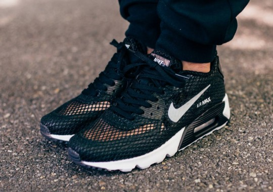 An On-Foot Look At The Nike Air Max 90 Ultra Breeze
