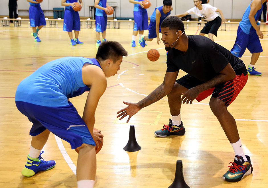 paul george and the nike hyperdunk 2015 take on beijing in
