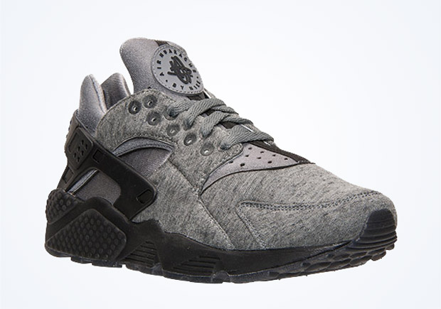 online store 886d7 72c4e Tech Fleece is coming to the Nike Air Huarache. The cozyboi material  favorite has dominated the lifestyle category for the past couple years as  its become ...