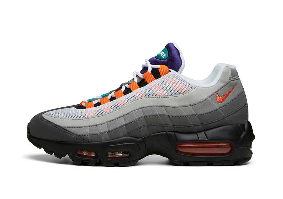 sale retailer 8dd00 7f467 ... netherlands first look at the nike what the air max 95 sneakernews  50616 35726