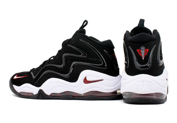 Scottie Pippen's Nike Air Pippen 1 is back in stores. Not long ago we  reported the white/silver version appearing in store shelves, and now we're  happy to ...