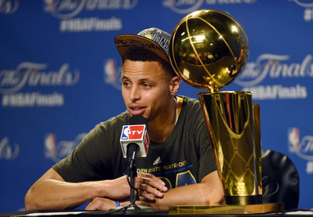 """Under Armour Is Releasing A Curry One """"Championship"""" Pack With Two Pairs"""