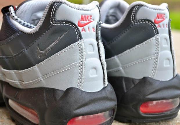 buy popular aa624 badb1 Grey Gradient Uppers On This New Nike Air Max 95 Colorway - SneakerNews.com