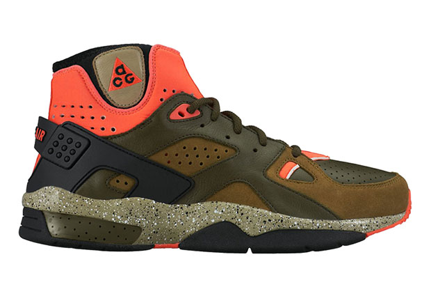 2986ca889a68 Expect New Colorways Of The Nike Air Mowabb OG - SneakerNews.com