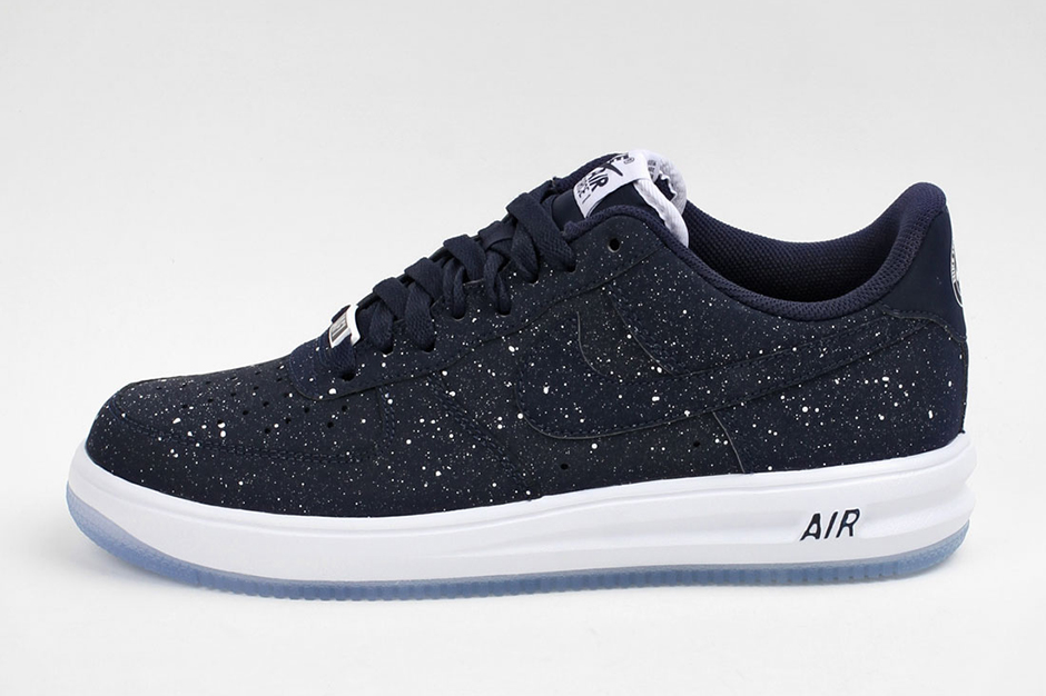 ae114b59db49f5 A Detailed Look At The Nike Lunar Force 1