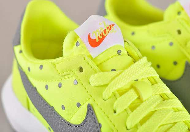 nike volt yellow polka dot roshe ld 1000 trainers edge