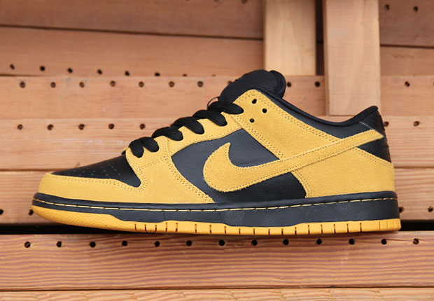 on sale bb480 e9186 A Classic Looking Nike SB Dunk Low is Available Now - SneakerNews.com