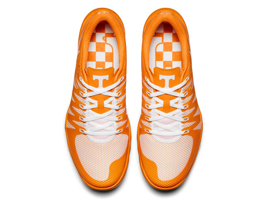 low priced 9b366 46d9f Pick Your Favorite College Football Team With The Nike Free TR 5 -  SneakerNews.com
