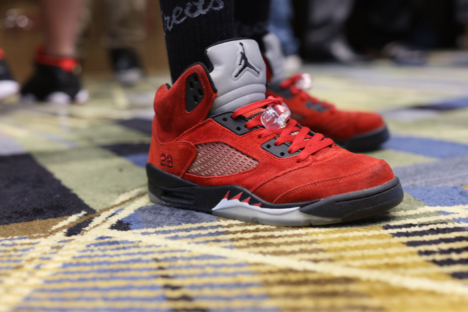 sneaker-con-detroit-august-on-feet-001