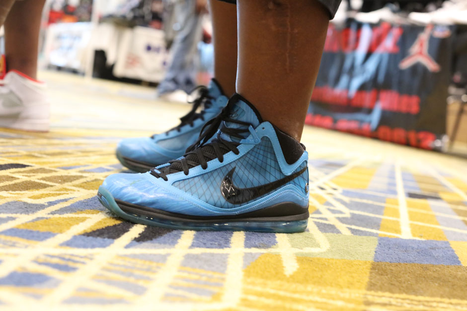 sneaker-con-detroit-august-on-feet-003