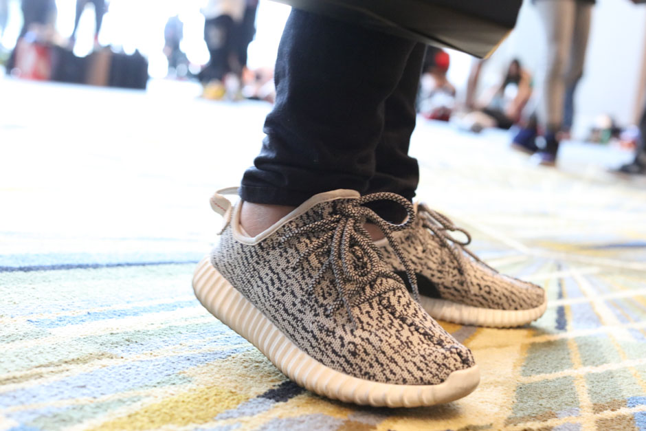 sneaker-con-detroit-august-on-feet-013
