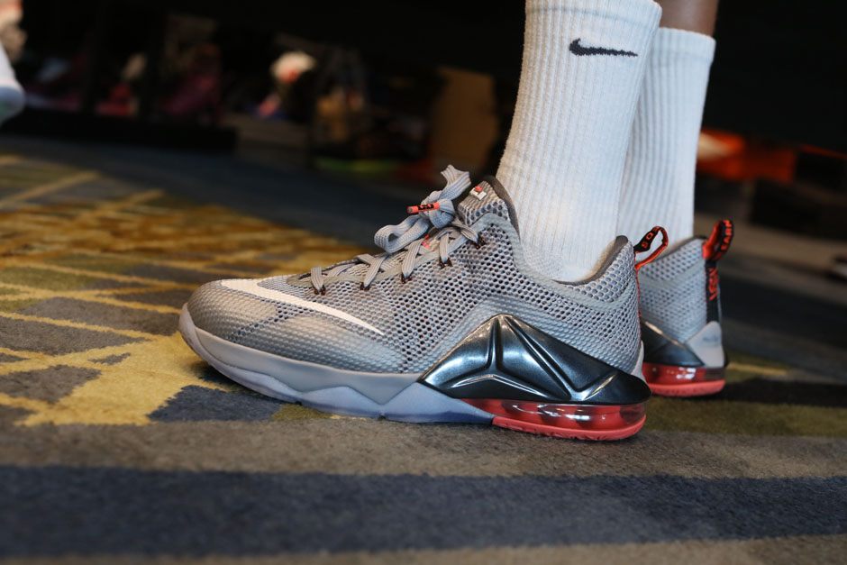 sneaker-con-detroit-august-on-feet-025