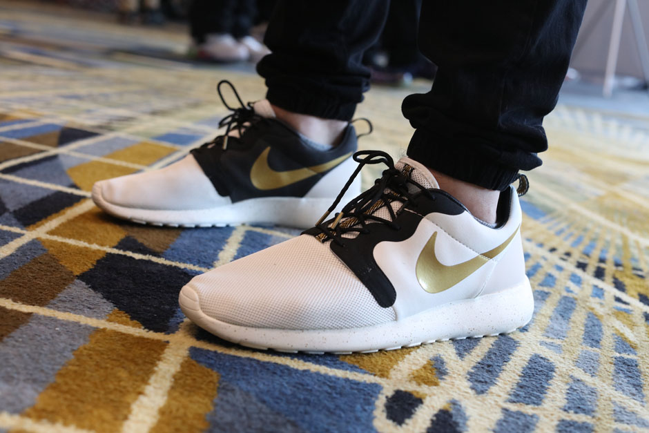 sneaker-con-detroit-august-on-feet-028