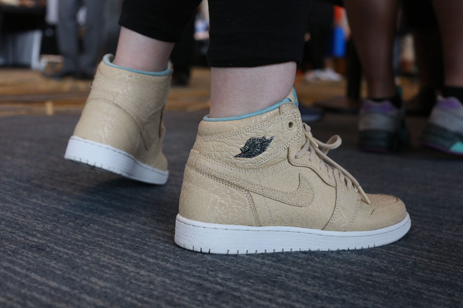 sneaker-con-detroit-august-on-feet-033
