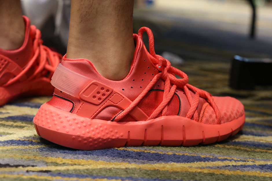 sneaker-con-detroit-august-on-feet-037