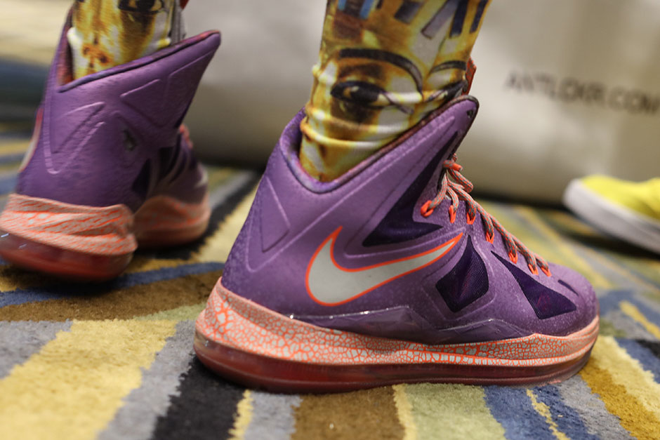 sneaker-con-detroit-august-on-feet-038