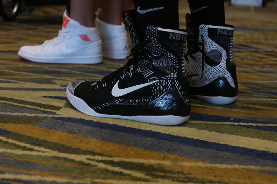 sneaker-con-detroit-august-on-feet-049