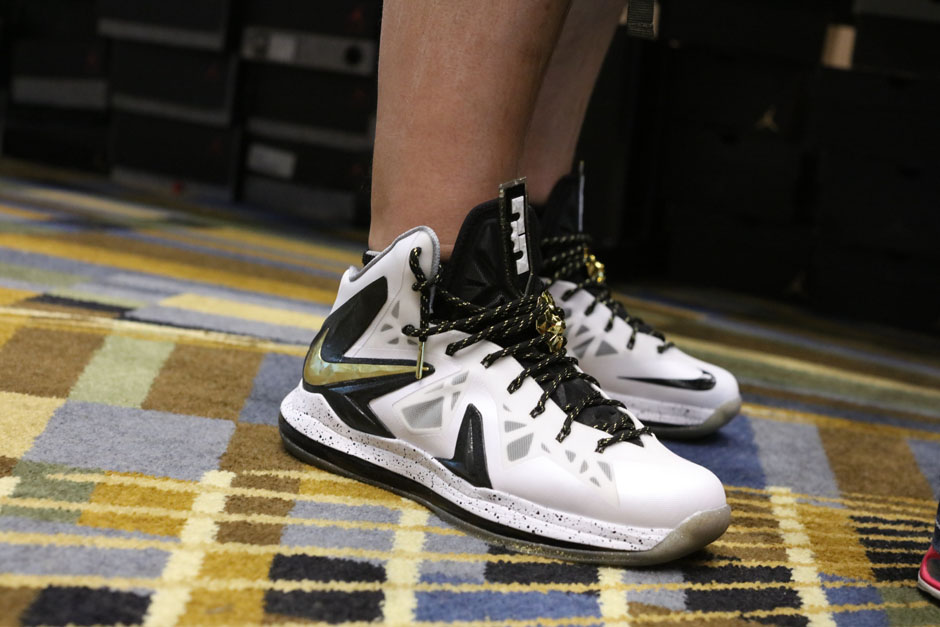 sneaker-con-detroit-august-on-feet-064