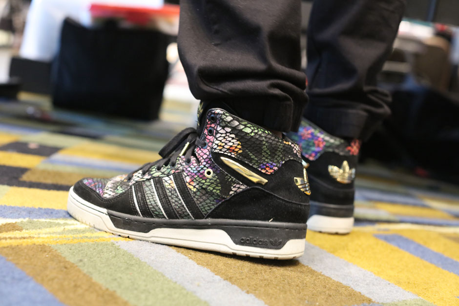 sneaker-con-detroit-august-on-feet-069