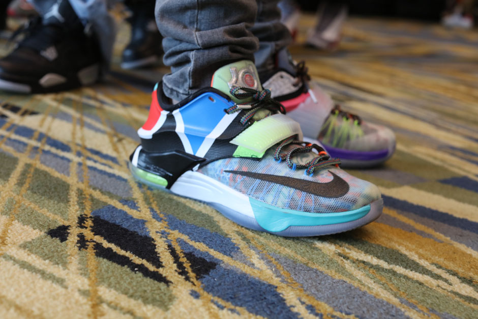 sneaker-con-detroit-august-on-feet-078