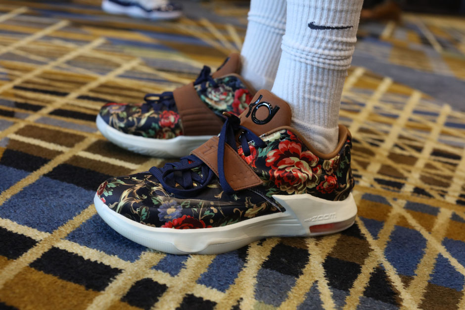 sneaker-con-detroit-august-on-feet-084