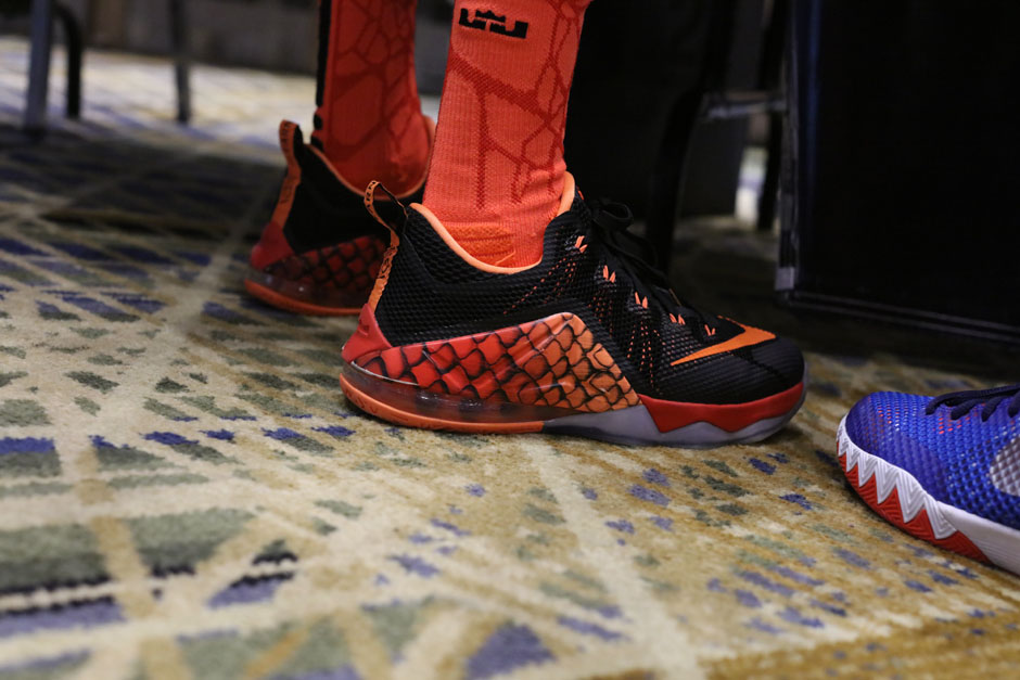sneaker-con-detroit-august-on-feet-096