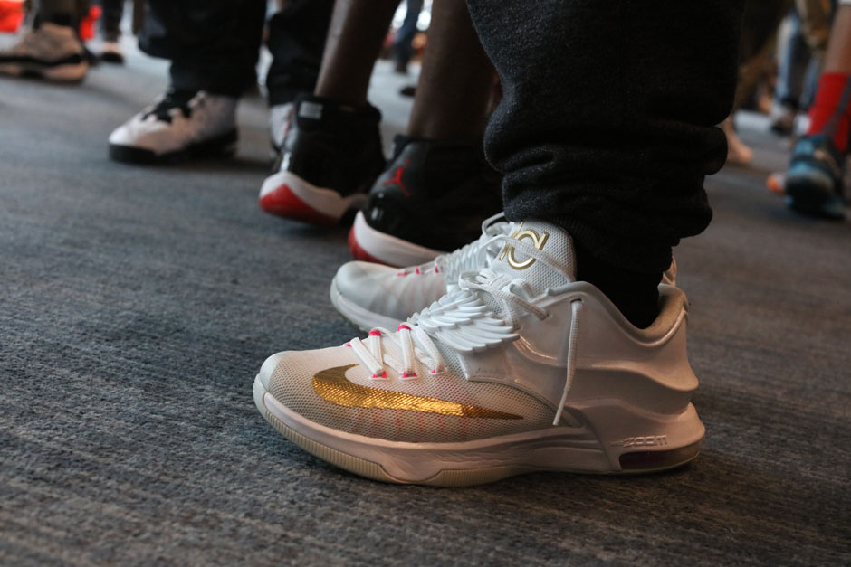 sneaker-con-detroit-august-on-feet-107