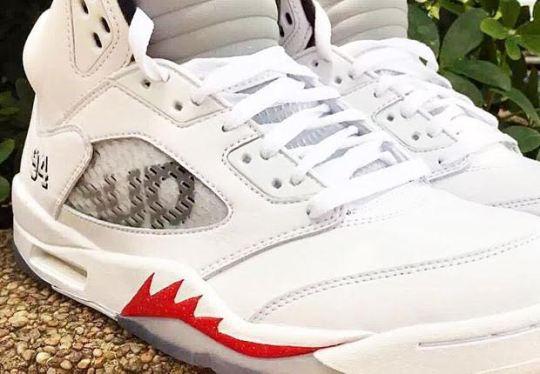 "Supreme x Air Jordan 5 ""Metallic"""