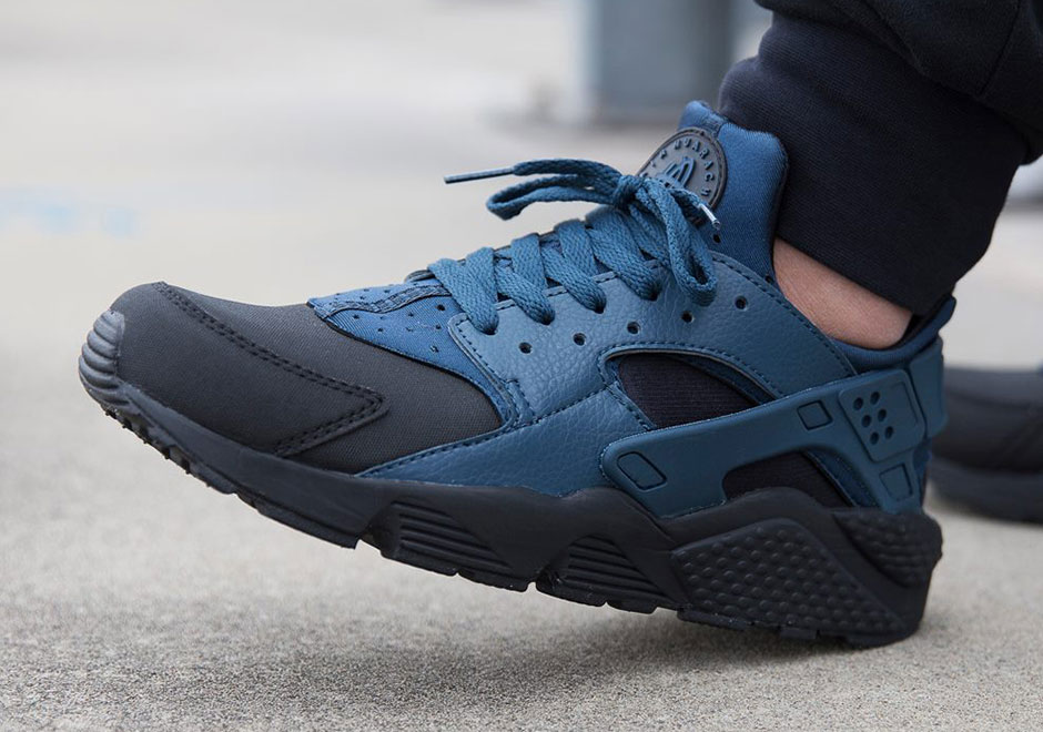 Nike Air Huarache Dominated By Squadron Blue Sneakernews Com