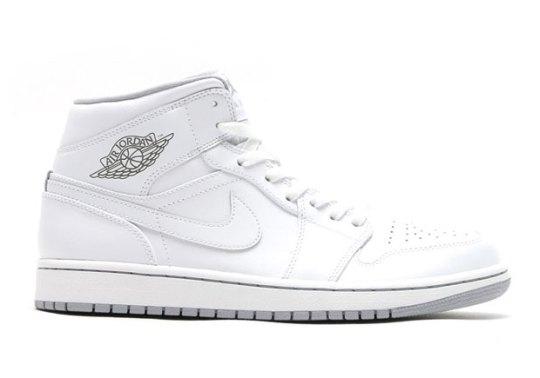 These Air Jordan 1 Mids Almost Look Like OGs