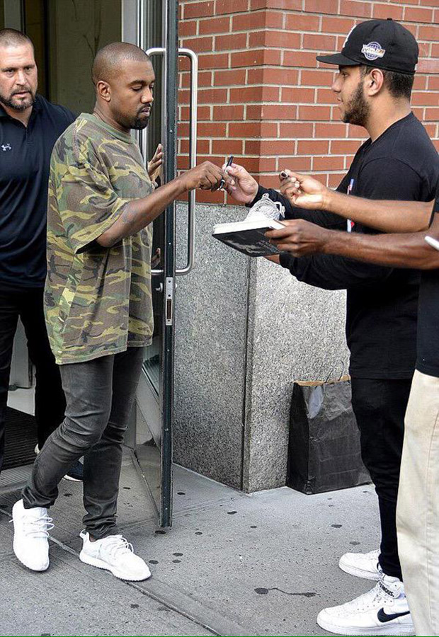 a5b4d4d6b87 Kanye West Debuts Yet Another Brand New Yeezy Boost Colorway This Weekend -  SneakerNews.com