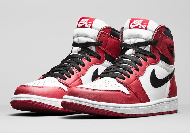check out 74cfd 0a5de Air Jordan 1 Finally Releases on Nikestore via Drawing System    SneakerNews.com