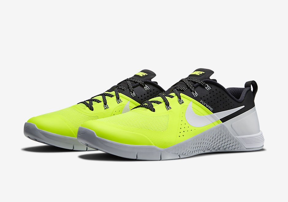 The Nike Metcon 1 Continues To Compete Despite Being Banned From CrossFit  Events b1ee2a69b
