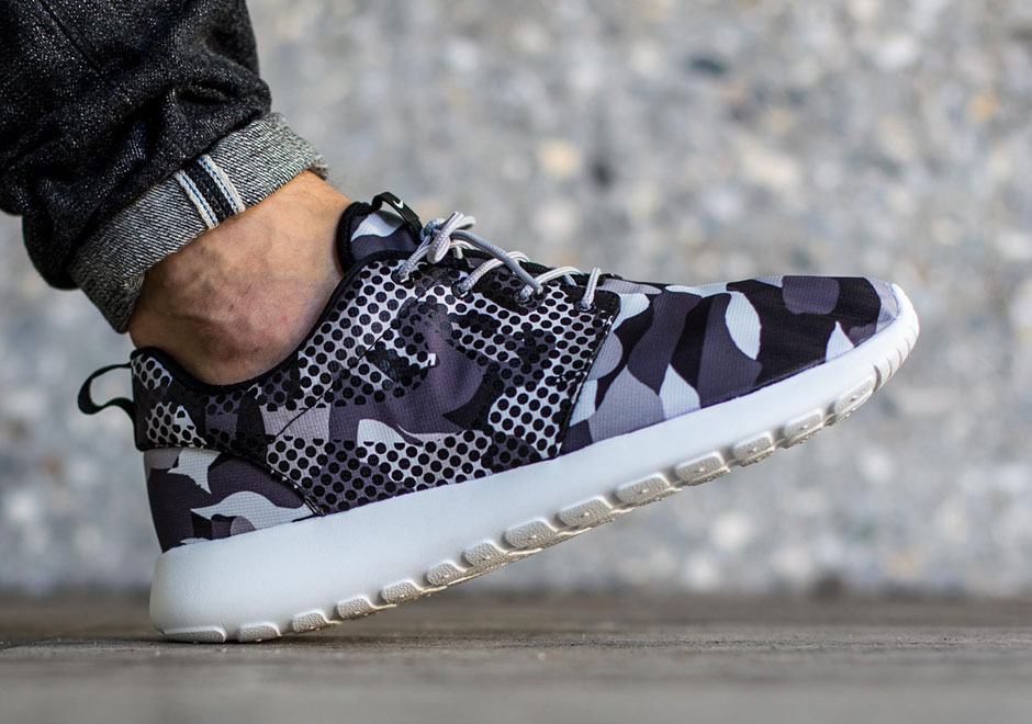 Nike Print Couldn't Decide On What Print Nike To Use For This Roshe Run aa3ec6