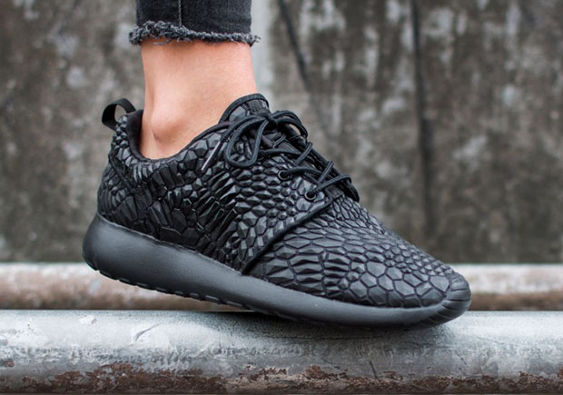 d4751c571bb4 It s Hard To Tell What Nike Used To Make This New Roshe Run ...