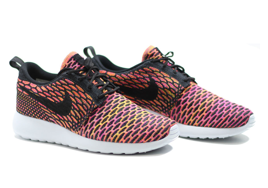 A Floridian Mix Of Flyknit Appears On The Nike Roshe Run
