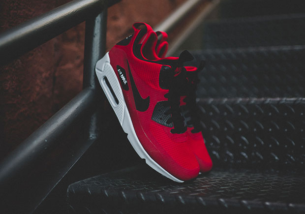 newest 710f5 c6eea The Air Max 90 Mid Winter Everybody In Chicago Needs - SneakerNews.com