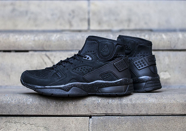 competitive price 1ebef 86155 Nike ACGs All-Black Mowabb Retro Is The Perfect Fall Go-