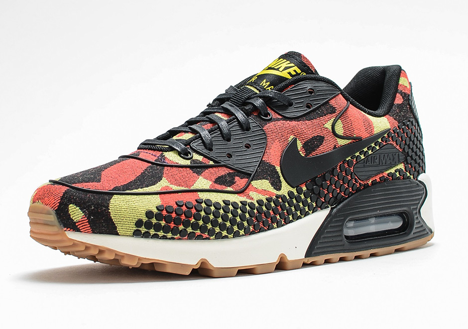 separation shoes 929b0 5058b Nike s New Camo and Dot Motif is Now on the Air Max 90