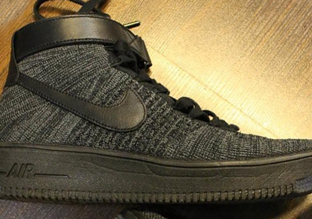 Nike Air Force 1 Flyknit Black