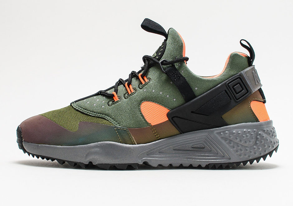 5f2561603355 ... Nike Air Huarache Utility PRM. Color Carbon Green Black-Total Orange-  Anthracite ...