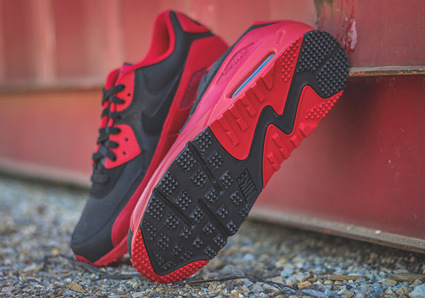 The Nike Air Max 90 Winter in a Bold