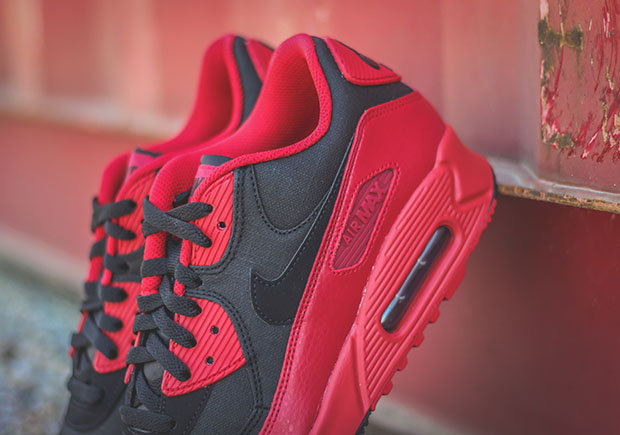 air max 90 black gym red