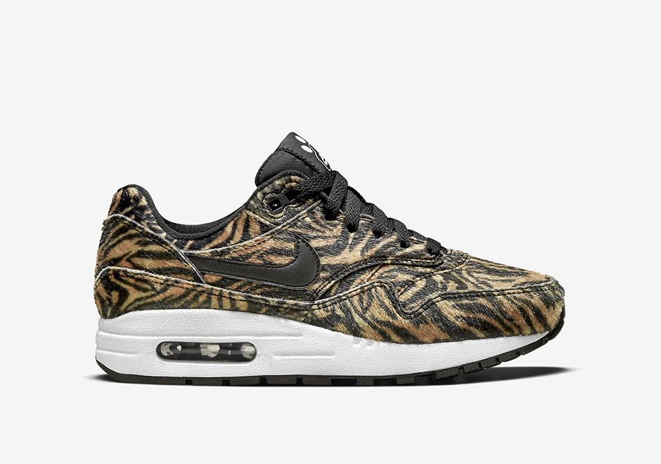 "quality design dc5b4 2eda2 Nike Air Max 1 GS ""Tiger"""
