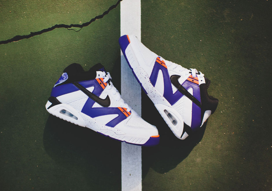premium selection ff778 9c4b7 The OG Purple Nike Air Tech Challenge Is Arriving at Retailers -  SneakerNews.com