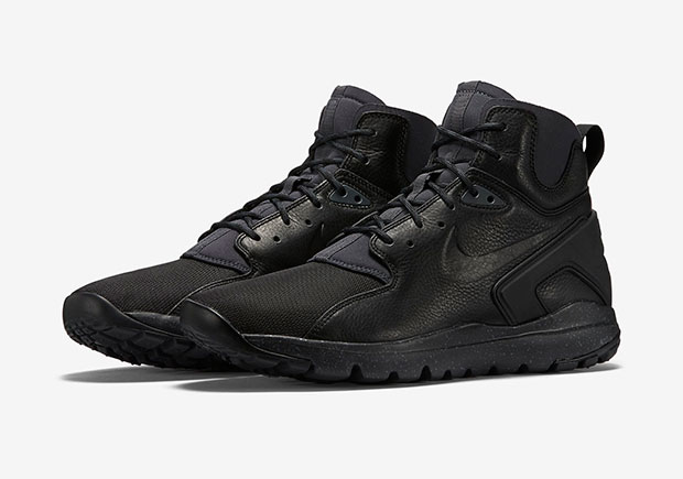 Nike S New Age Mowabb Creation Returns In All Black
