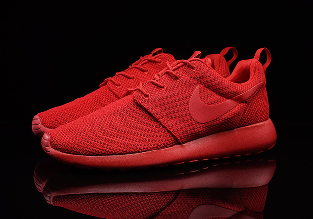 all red nike roshe runs