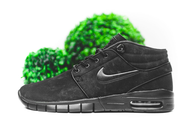 The Nike SB Stefan Janoski Free Mid Goes All Black - SneakerNews.com 8772358e1