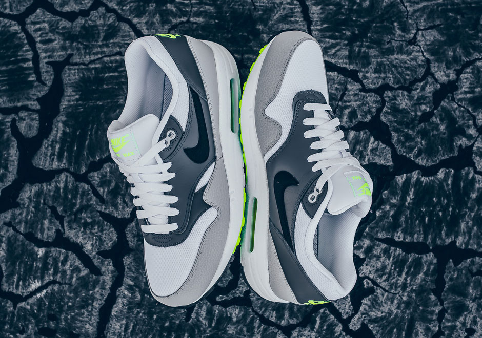 sale retailer eeda1 d53d9 Nike Releases An Air Max 1 Inspired By The Legendary